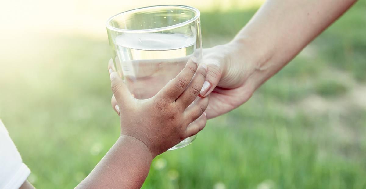 hydrater suffisament les enfants